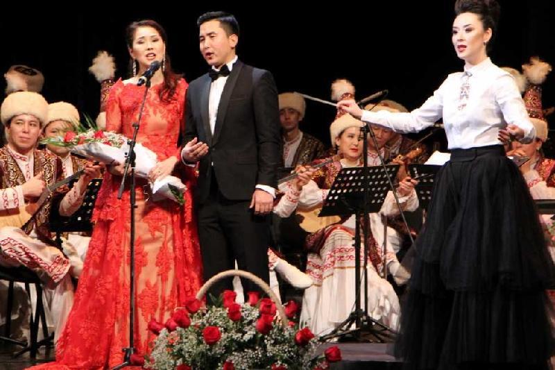 В Баку состоялся гала-концерт оркестра «Отырар сазы»