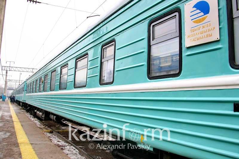 Простоявший более 7 часов на станции «Есиль» поезд тронулся