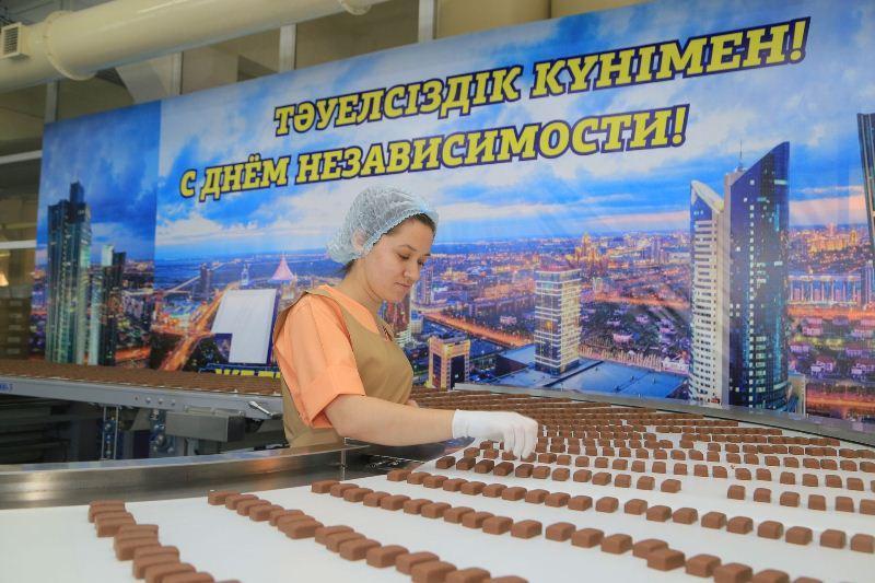 Аналоги батончиков «Сникерс», «Марс» и «Твикс» начинает выпускать казахстанская фабрика