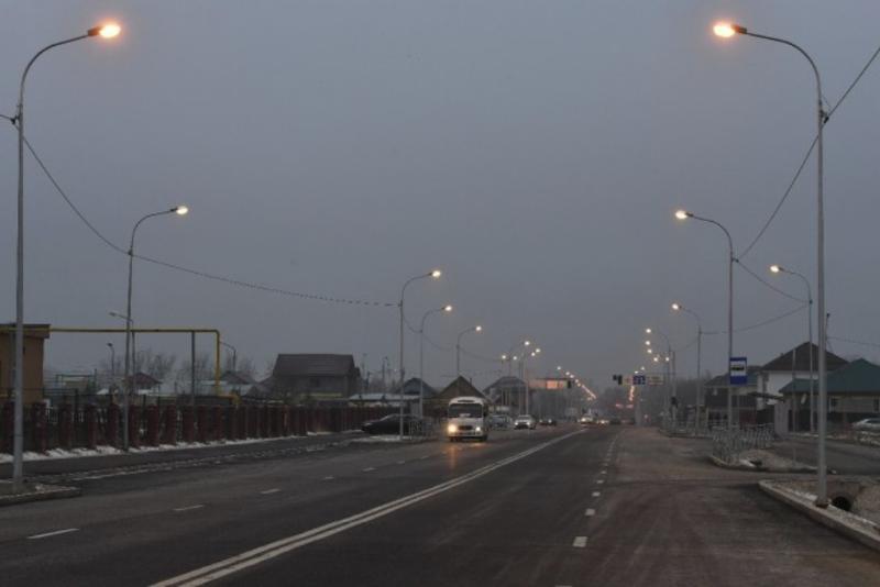 Аким Алматы поблагодарил рабочих за строительство новой дороги