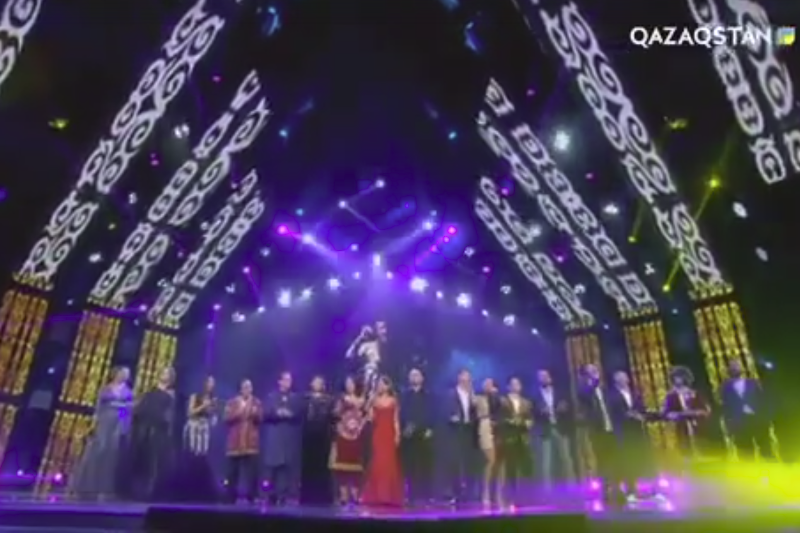Зарубежные певцы поздравили казахстанцев, исполнив песню Нурсултана Назарбаева