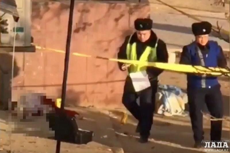 Ақтауда әйел адам 4-қабаттан құлап мерт болды