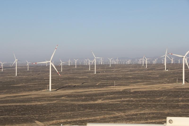 Как в Китае используют энергию ветров Тянь-Шаня