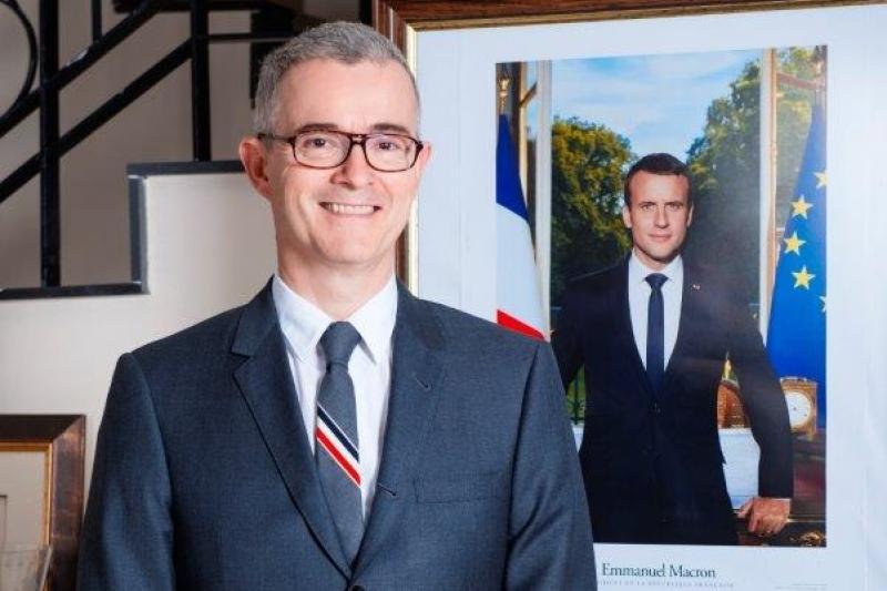 О результатах отбора стипендиальной программы «Абай-Верн» рассказал посол Франции