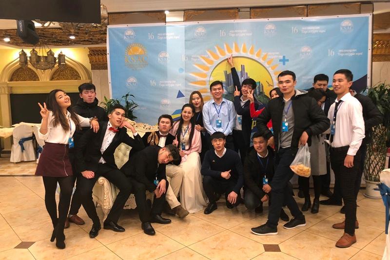 在华哈萨克斯坦留学生在西安庆祝祖国独立26周年