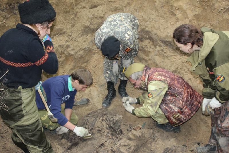 Родственников погибшего во время войны солдата ищут в Атырау