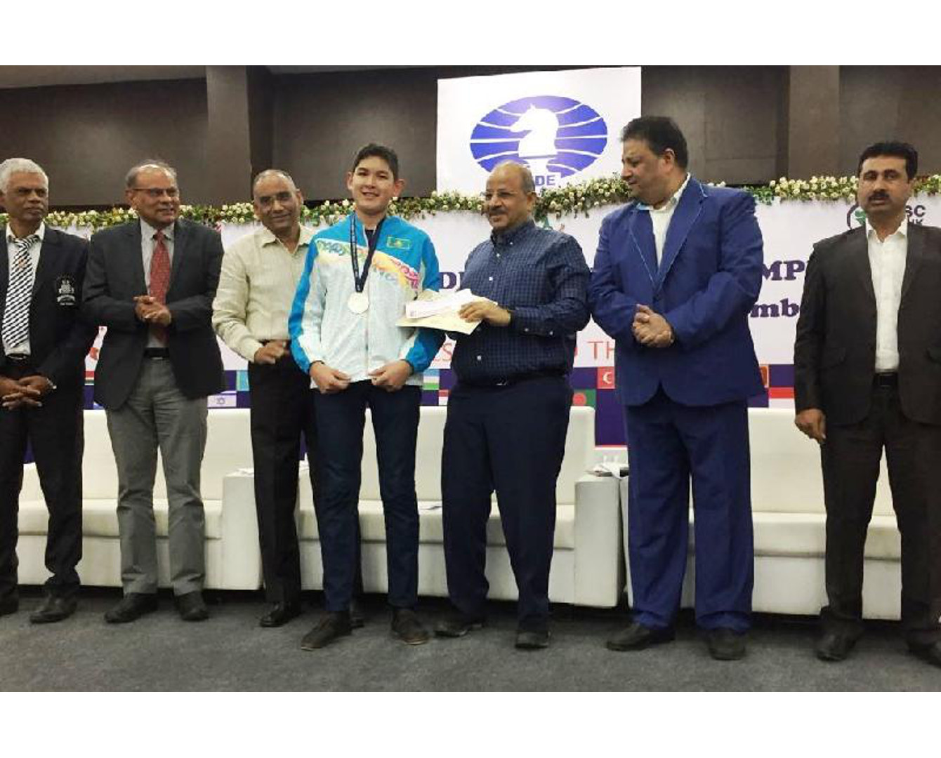 Kazakh chess player grabs silver medal at Olympiad in India
