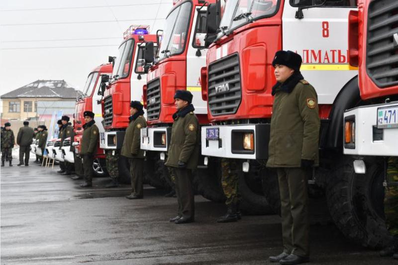 Алматылық өрт сөндірушілерге арнайы көлік кілттері тапсырылды