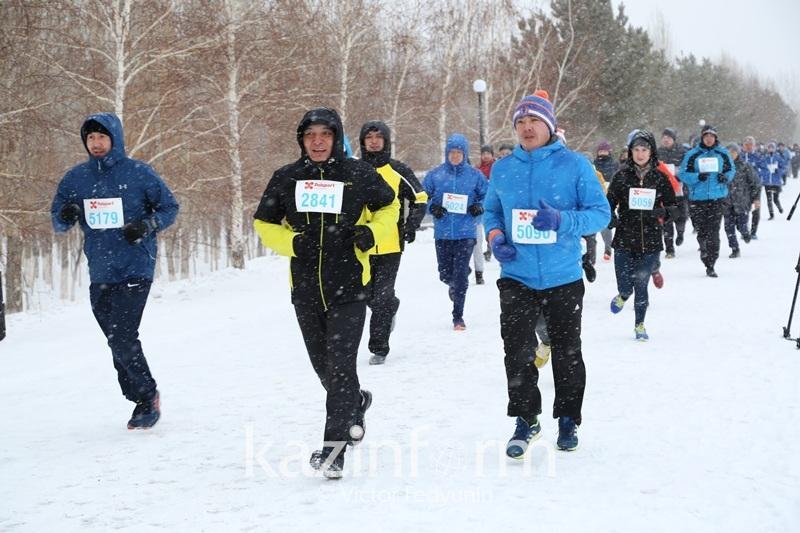 Известные государственные деятели и бизнесмены участвуют в Astana Winter Marathon