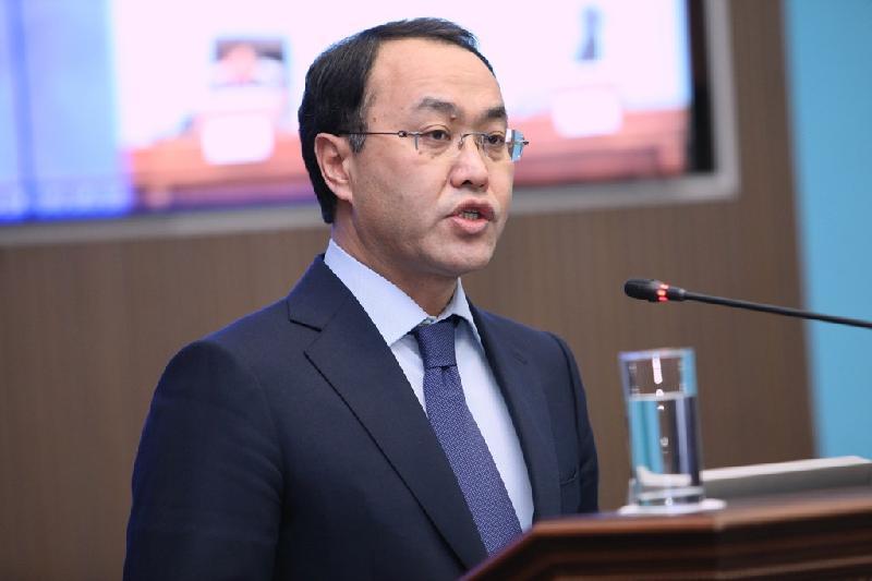 Кайрат Кожамжаров принес присягу на посту депутата Сената