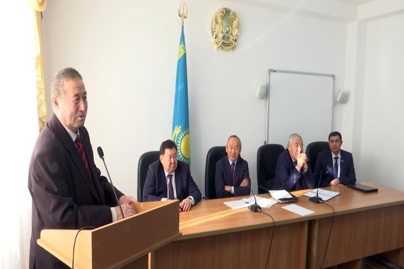 Мәжіліс депутаты Серік Үмбетов талдықорғандықтармен кездесті
