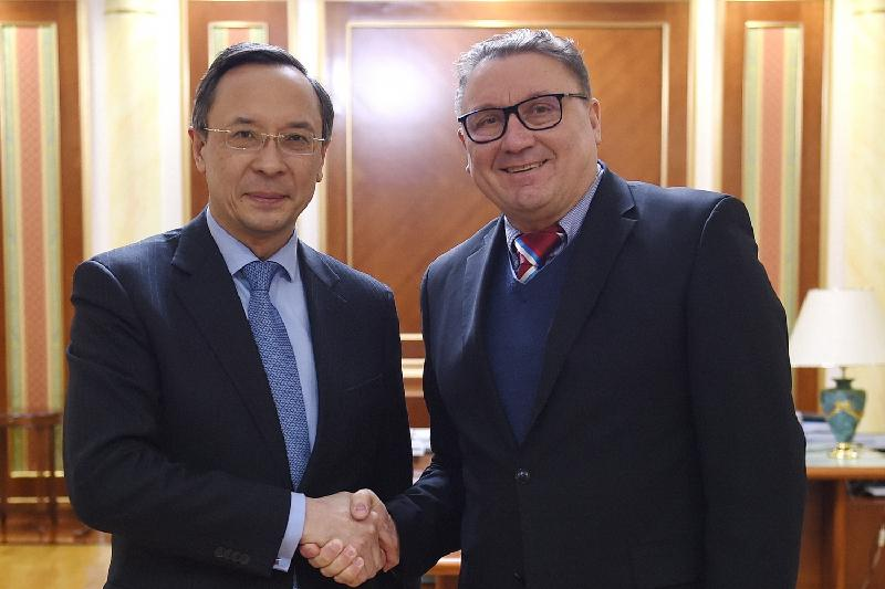 Kairat Abdrakhmanov receives WHO Representative