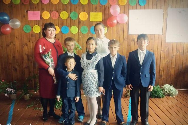 Одиннадцать детей усыновили жители села в Акмолинской области