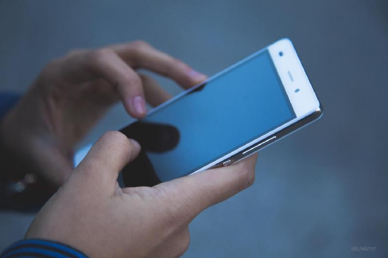 Выставлять оценки учителя смогут через смартфоны
