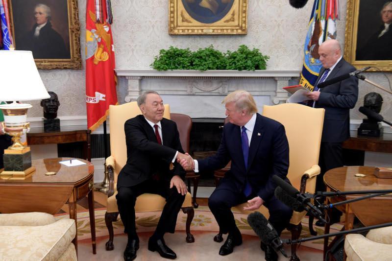 Ақ үйде Нұрсұлтан Назарбаев Дональд Трамппен кездесті