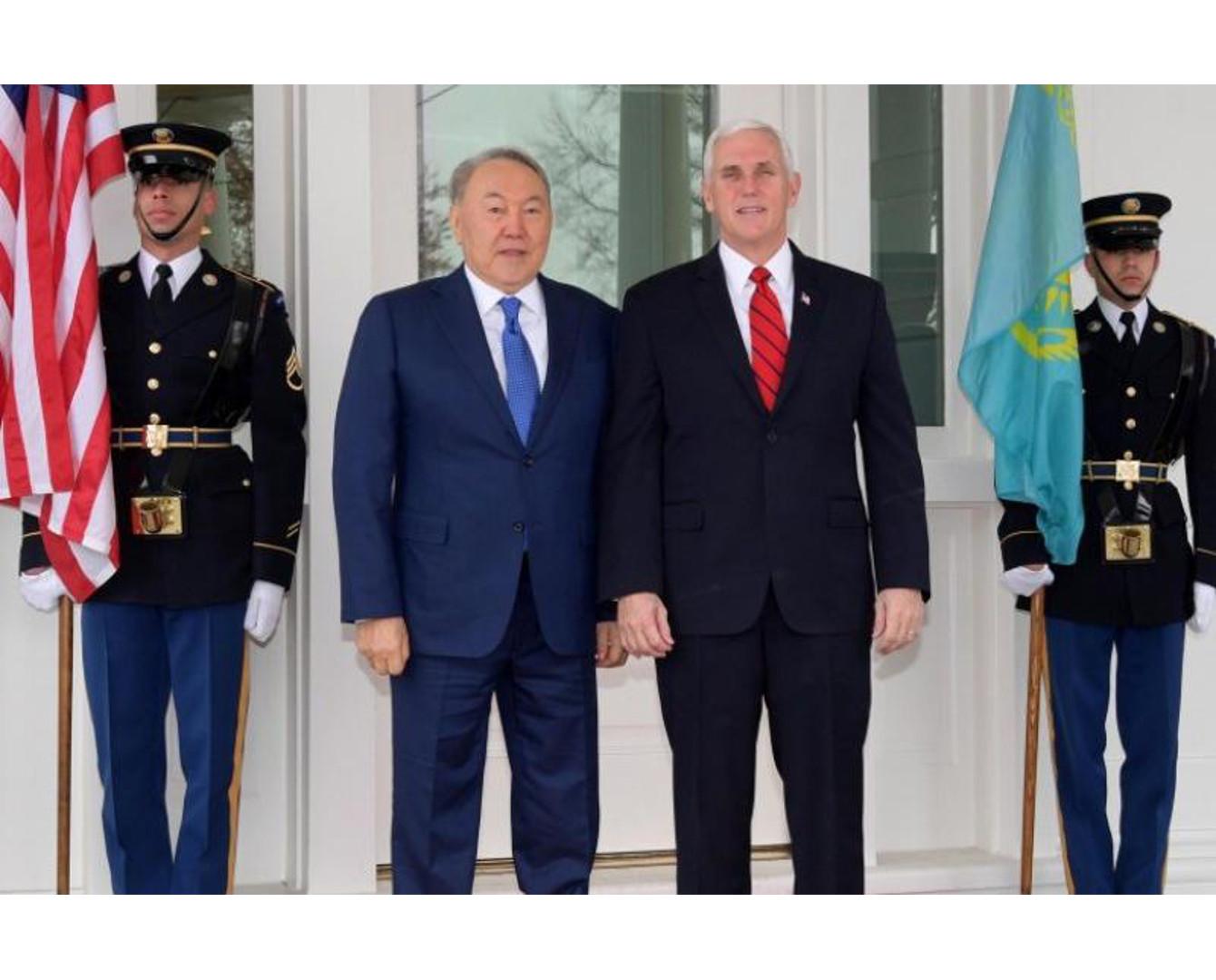Қазақстан Президенті АҚШ Вице-Президенті Майкл Пенспен кездесті