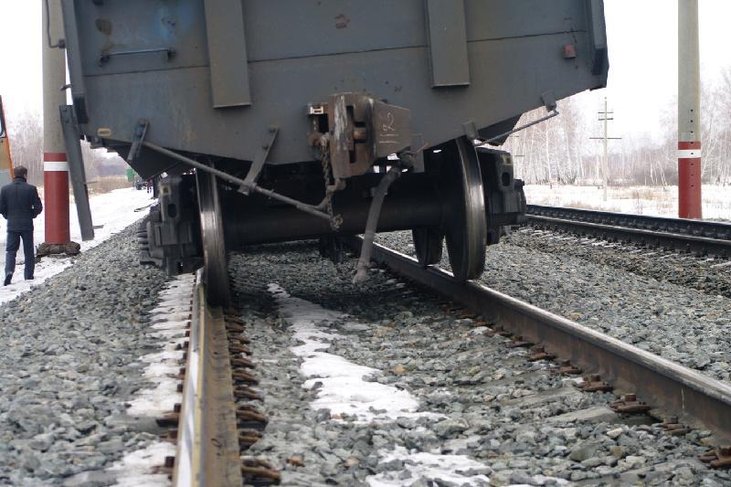 Столкнулись два железнодорожных состава в Павлодарской области