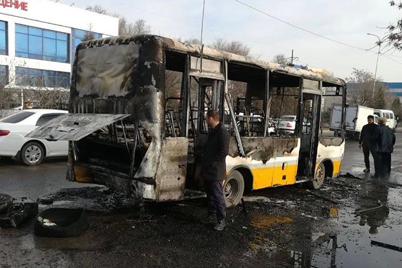 Стала известна причина пожара в пассажирском автобусе в Шымкенте
