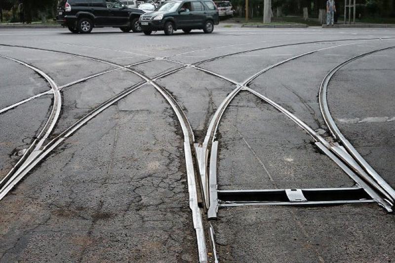 Алматыдағы трамвай рельстері металға өткізілді