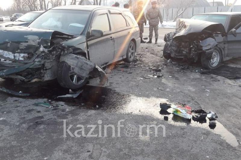 Алматы-Ащыбұлақ жолында көлік апатынан 5 адам жарақат алды