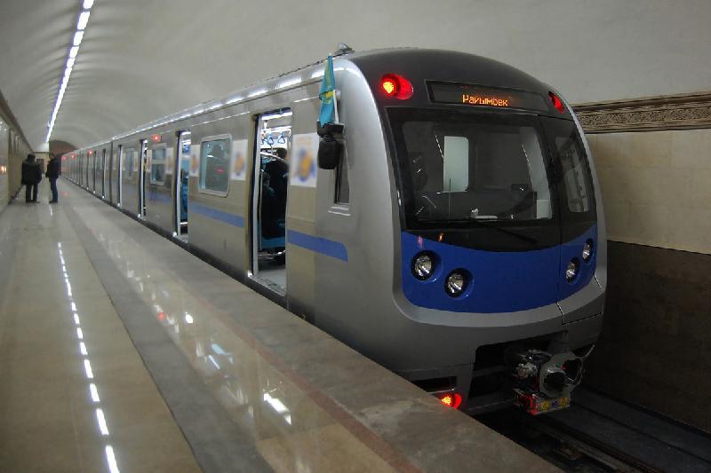 В алматинском метро заработает интернет и мобильная связь