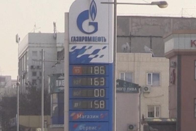 Два крупных реализатора ГСМ подняли цену на бензин в Шымкенте