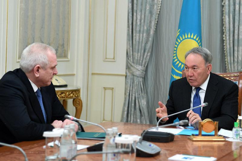 Nursultan Nazarbayev meets with Head of Supreme Judicial Council