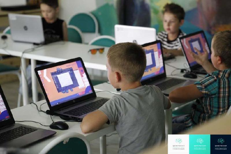 Казахстанцев будут обучать навыкам программирования с младших классов