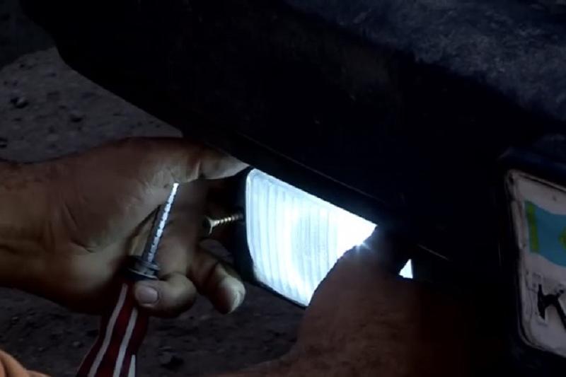 Десятки нелегальных «ксенонов» сняли с машин в Шымкенте