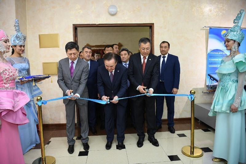 В Шымкенте открылась выставка библиотеки Первого Президента