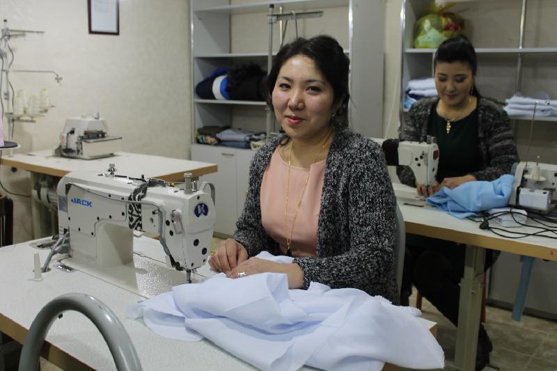 Безработных бесплатно обучат швейному делу в Текели