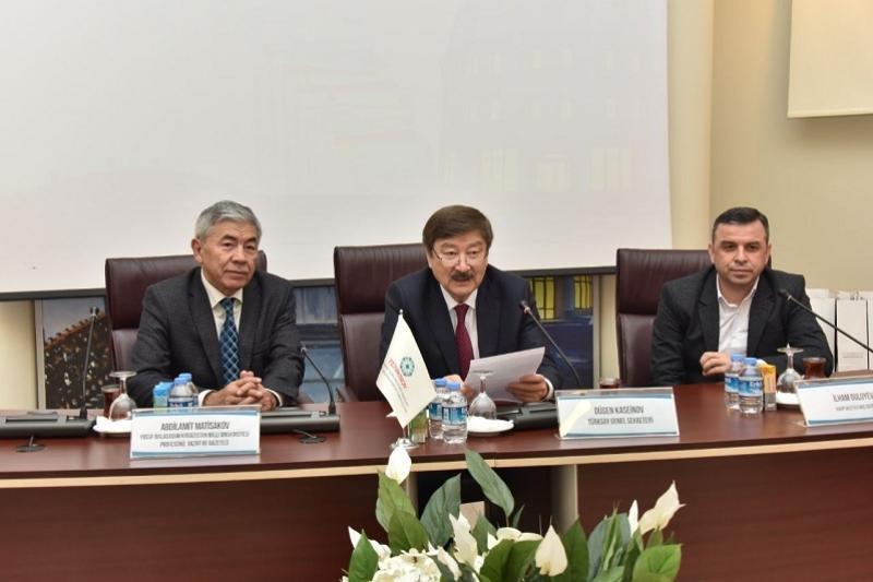 Казахстанских журналистов наградили премией ТЮРКСОЙ