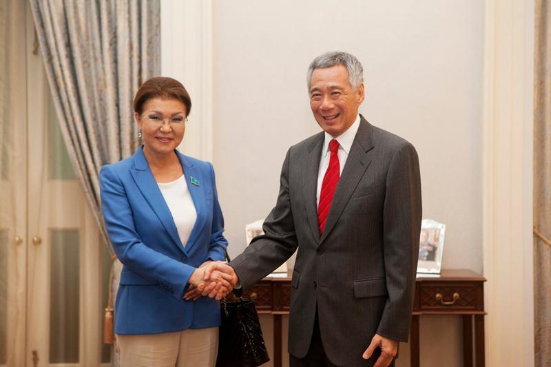 纳扎尔巴耶娃访问新加坡进行高层交流