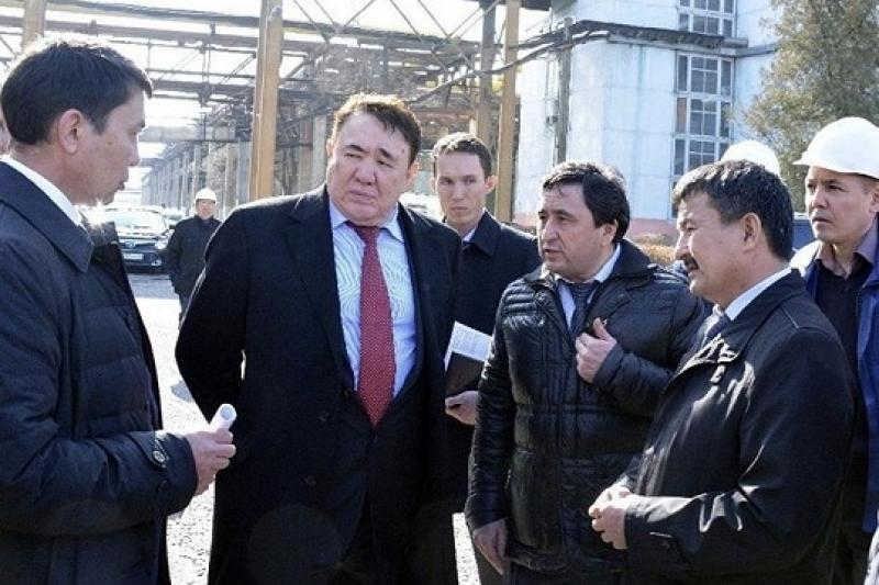 В Шымкенте обсудили будущее домов, стоящих на линиях нефте - и газопроводов