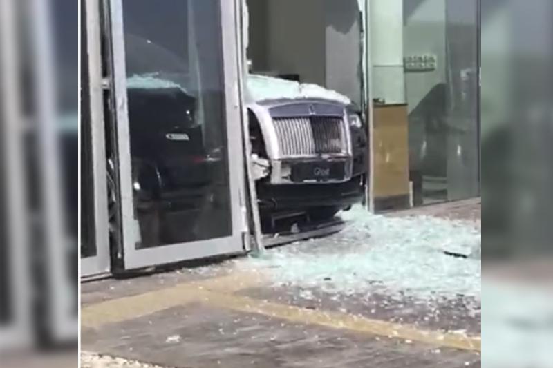 Протаранившего витрину на Rolls-Royce алматинца поместили в психлечебницу