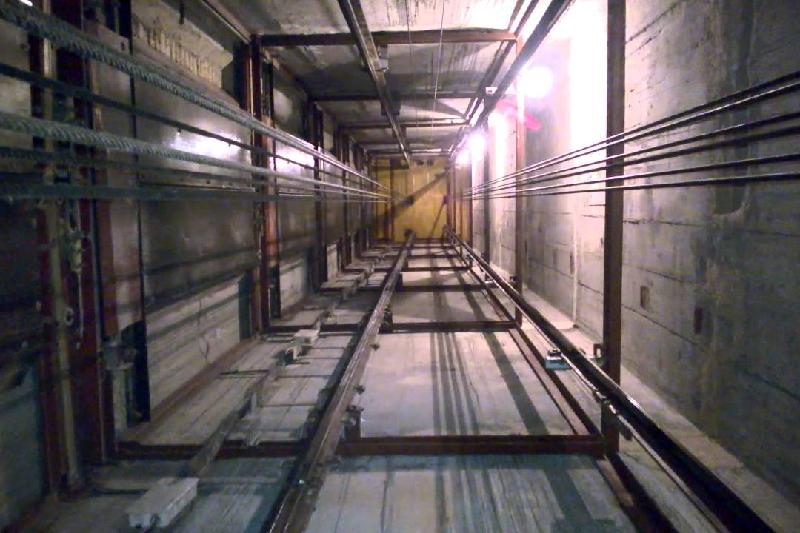 Пенсионерка упала в шахту лифта в больнице Ерейментау