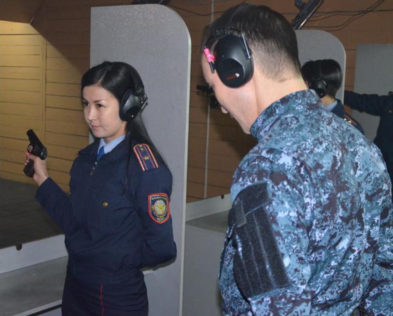 Самую меткую женщину-полицейского выявили в Алматинской области