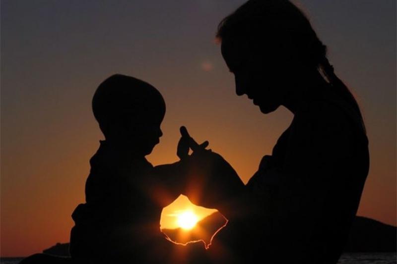 Вырастить детей женщинам в сложной ситуации помогают в Акмолинской области