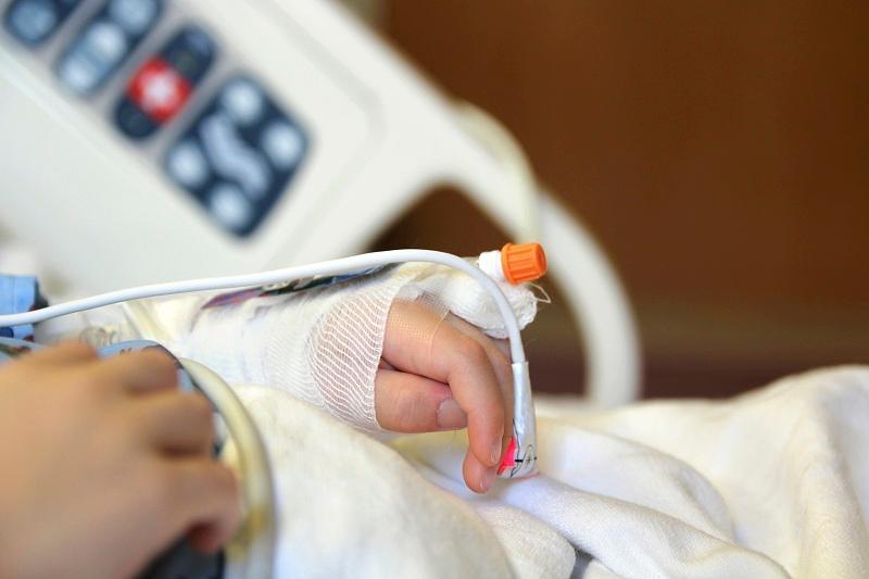 В Астане ищут родственников госпитализированной 5-летней девочки