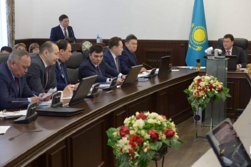 Обеспечить интернетом все села Павлодарской области поручил Булат Бакауов