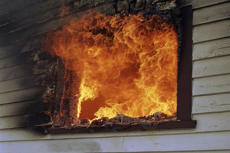 Два человека погибли при пожаре в Карагандинской области