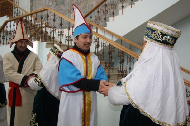 В Уральске широко отмечают Көрісу күні