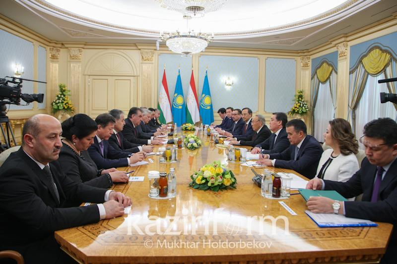Kazakh, Tajik presidents consider water and energy problems