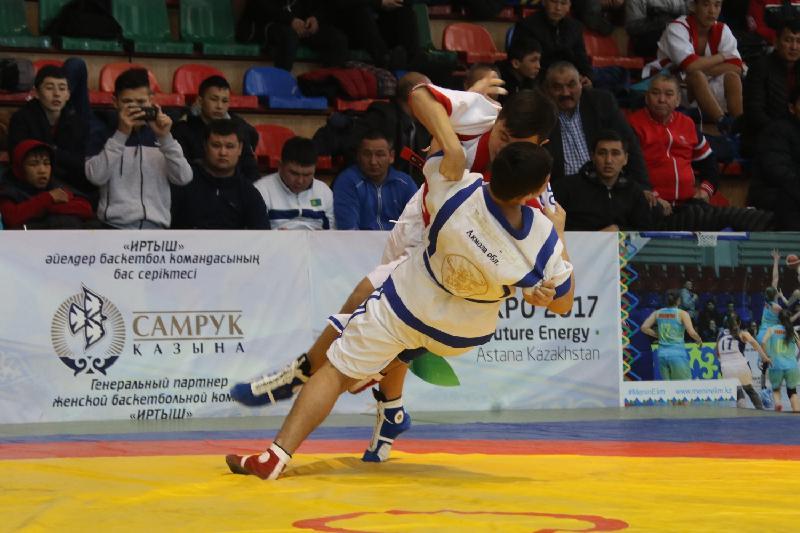 Более 500 участников приехали на чемпионат по қазақша күрес в Павлодаре