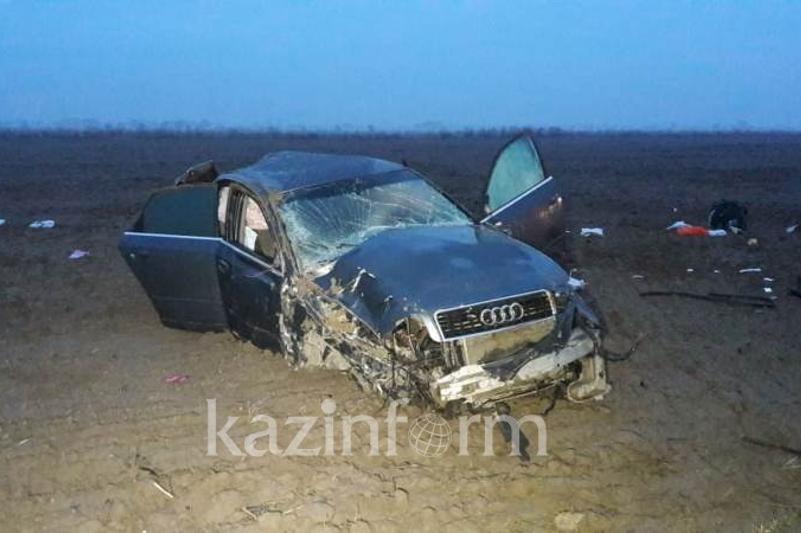 Алматыда Audi аударылып, көлік иесі көз жұмды