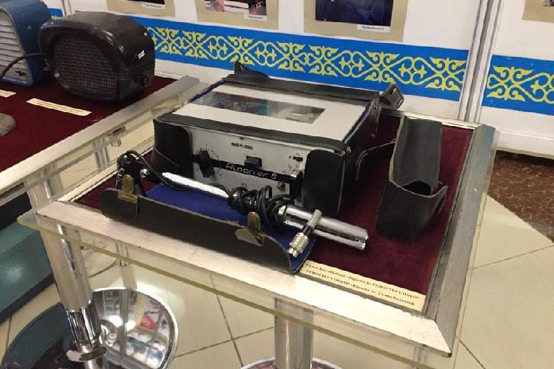 Раритетную радиоаппаратуру показали на выставке в Павлодаре