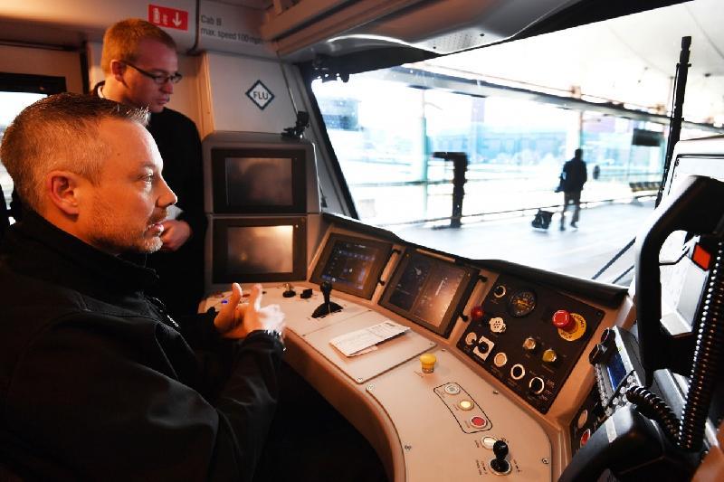 Первый беспилотный пассажирский поезд запущен в Великобритании