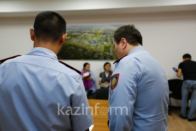 Спасших женщину из огня полицейских наградят в Кокшетау