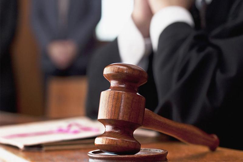 Получивший от предпринимательницы 3 млн тенге экс-аким в Акмолинской области оштрафован