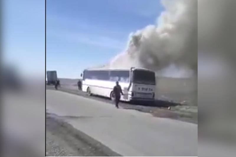Аягөз-Семей трассасында жолаушылар автобусы жанып кетті